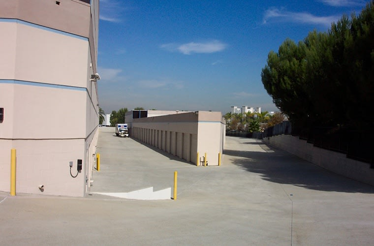 We take security and cleanliness seriously here at Sorrento Mesa Self Storage.