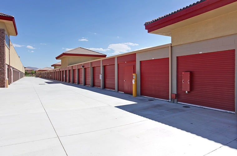 The wide driveways at Butterfield Ranch Self Storage make loading and unloading your storage unit in Temecula a breeze.