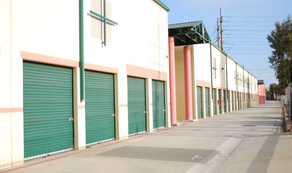 Exterior of storage units at Redondo Hermosa MiniStorage