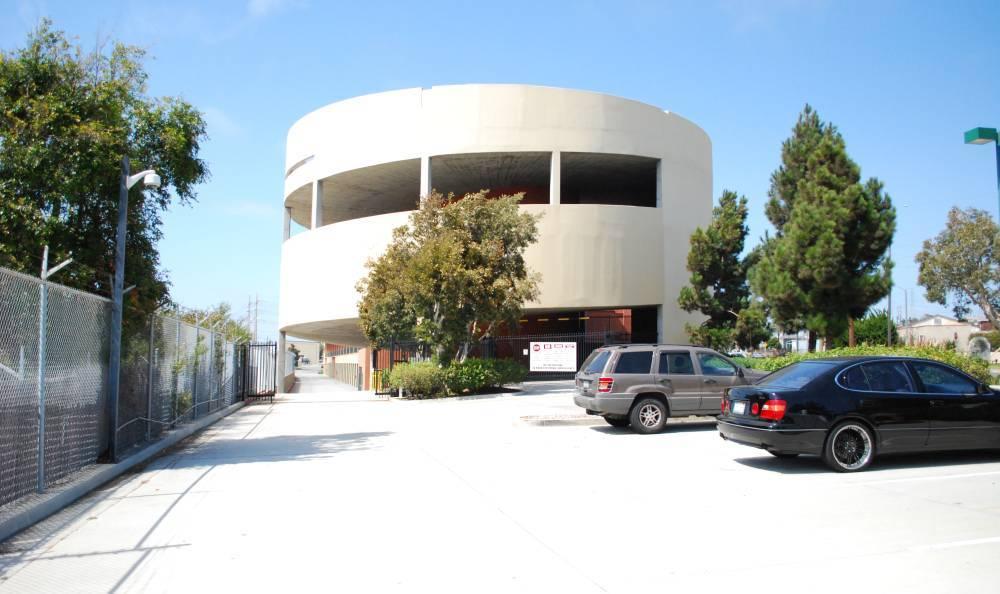 Front parking for Redondo Hermosa MiniStorage - Information Technology Center