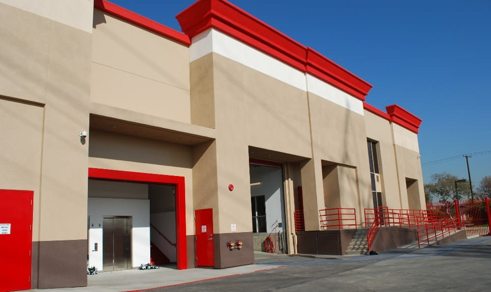 Drive up to our storage facility in South Gate, CA