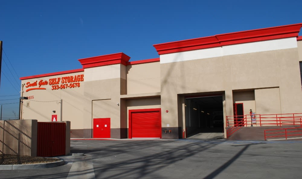Easy access to our storage facility in South Gate, CA
