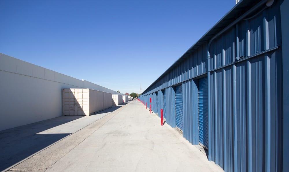Small storage units in Santa Ana, CA