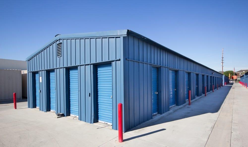 Clean storage units in Santa Ana, CA