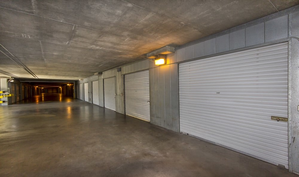 Spacious units at Sherman Oaks MiniStorage