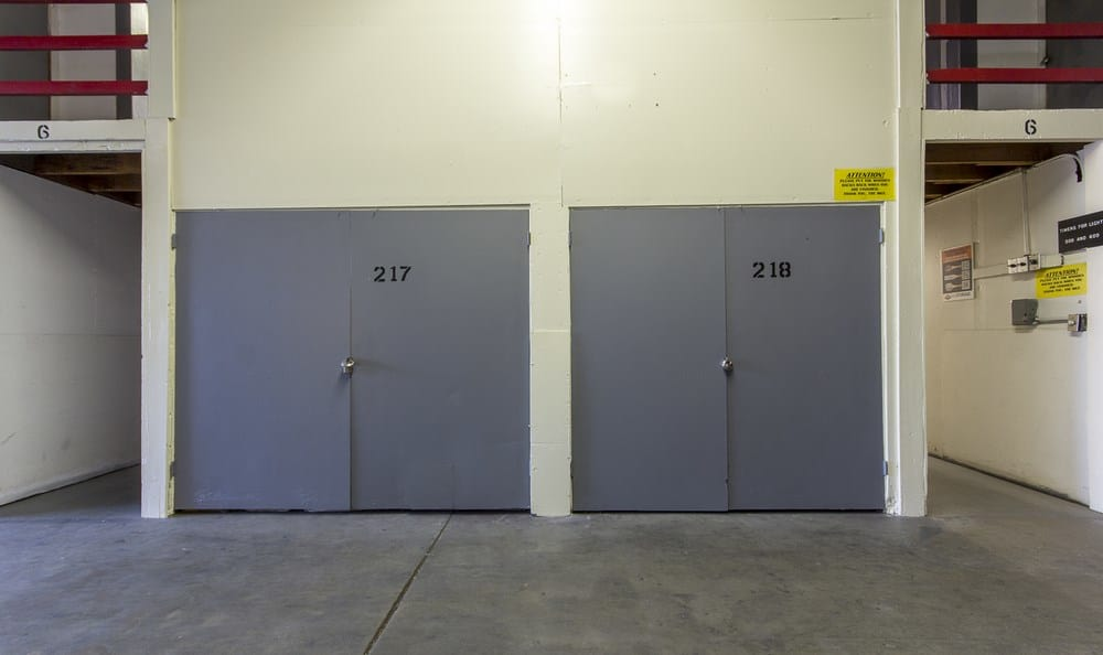 Large storage units our self storage facility in Pasadena, CA