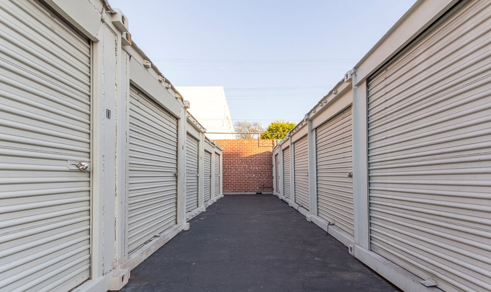 Outdoor storage units in Pasadena, CA