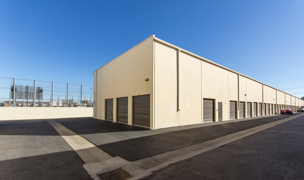 Storage units in Paramount, CA