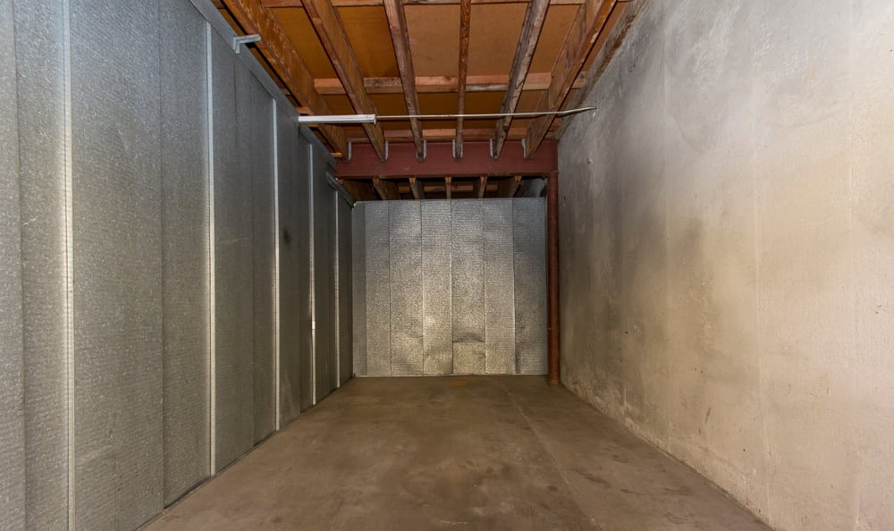 Spacious storage units in Paramount, CA