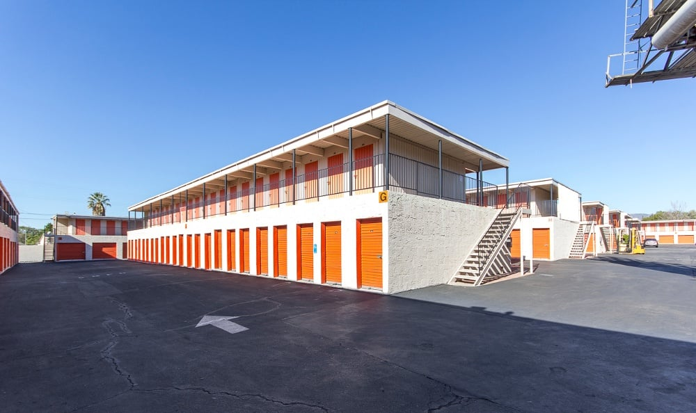 Spacious storage facility in Panorama City, CA