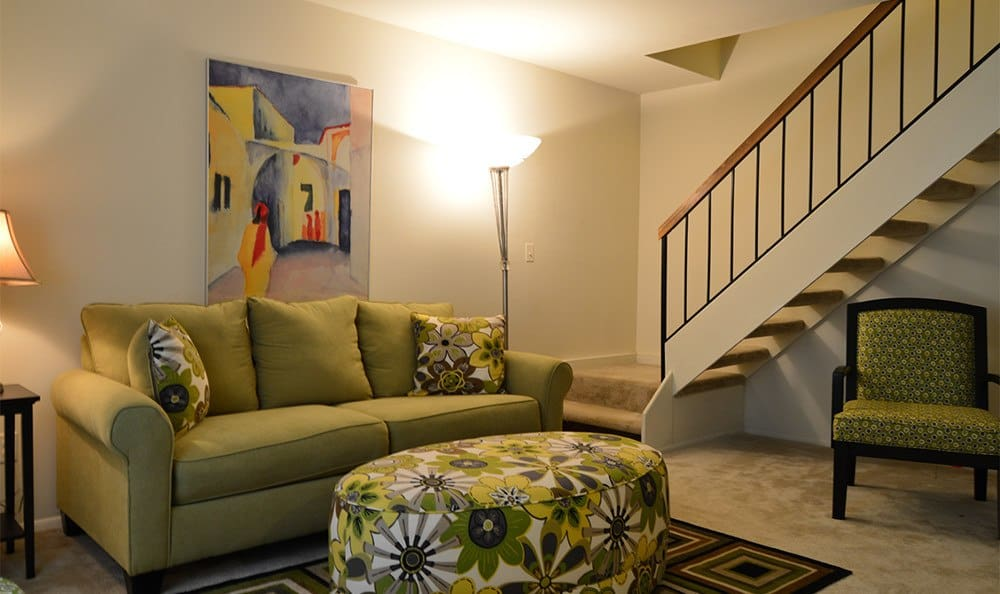 Designer living rooms in Cockeysville apartments