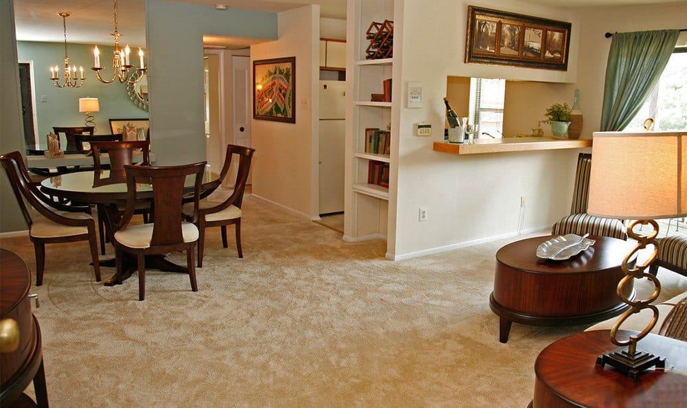 Our Glen Burnie apartments have spacious dining rooms