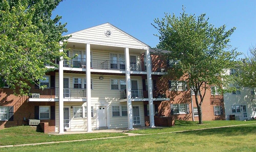 Exterior of apartment rentals in Baltimore