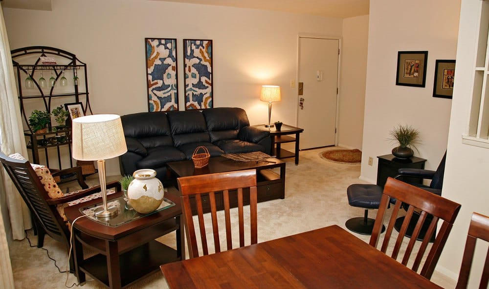 Beautiful dining rooms Baltimore apartment rentals