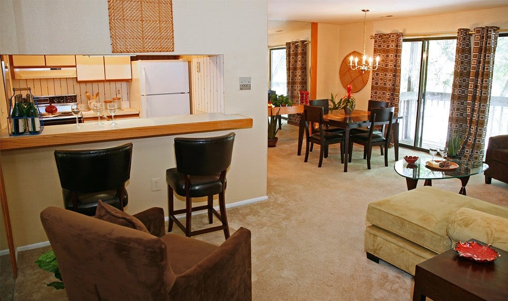 Beautiful living rooms in Catonsville, MD apartment rentals