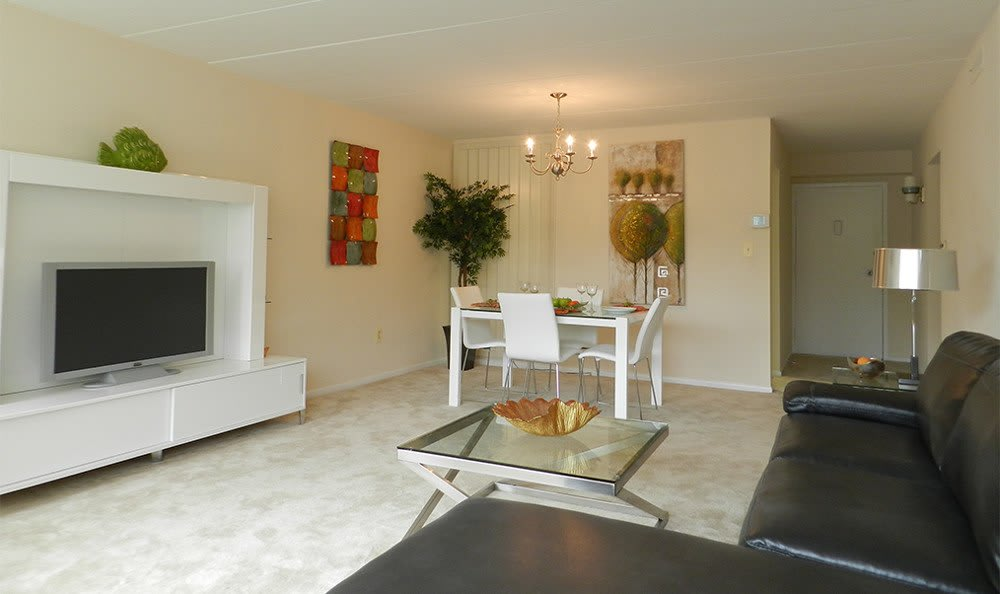 Designer dining rooms at our apartments in Baltimore, MD