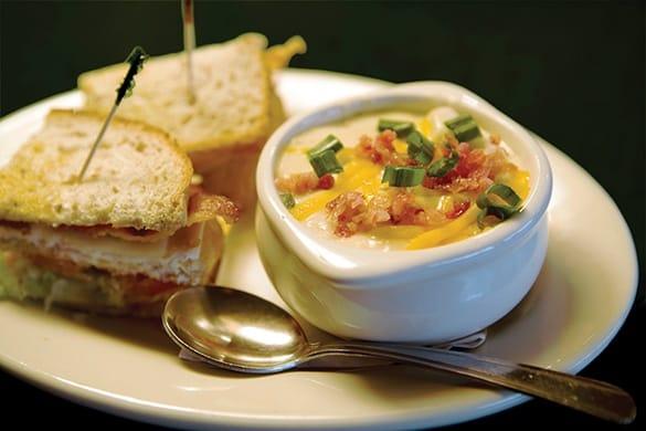 Casual, yet elegant dining at Spectrum Retirement Communities, LLC