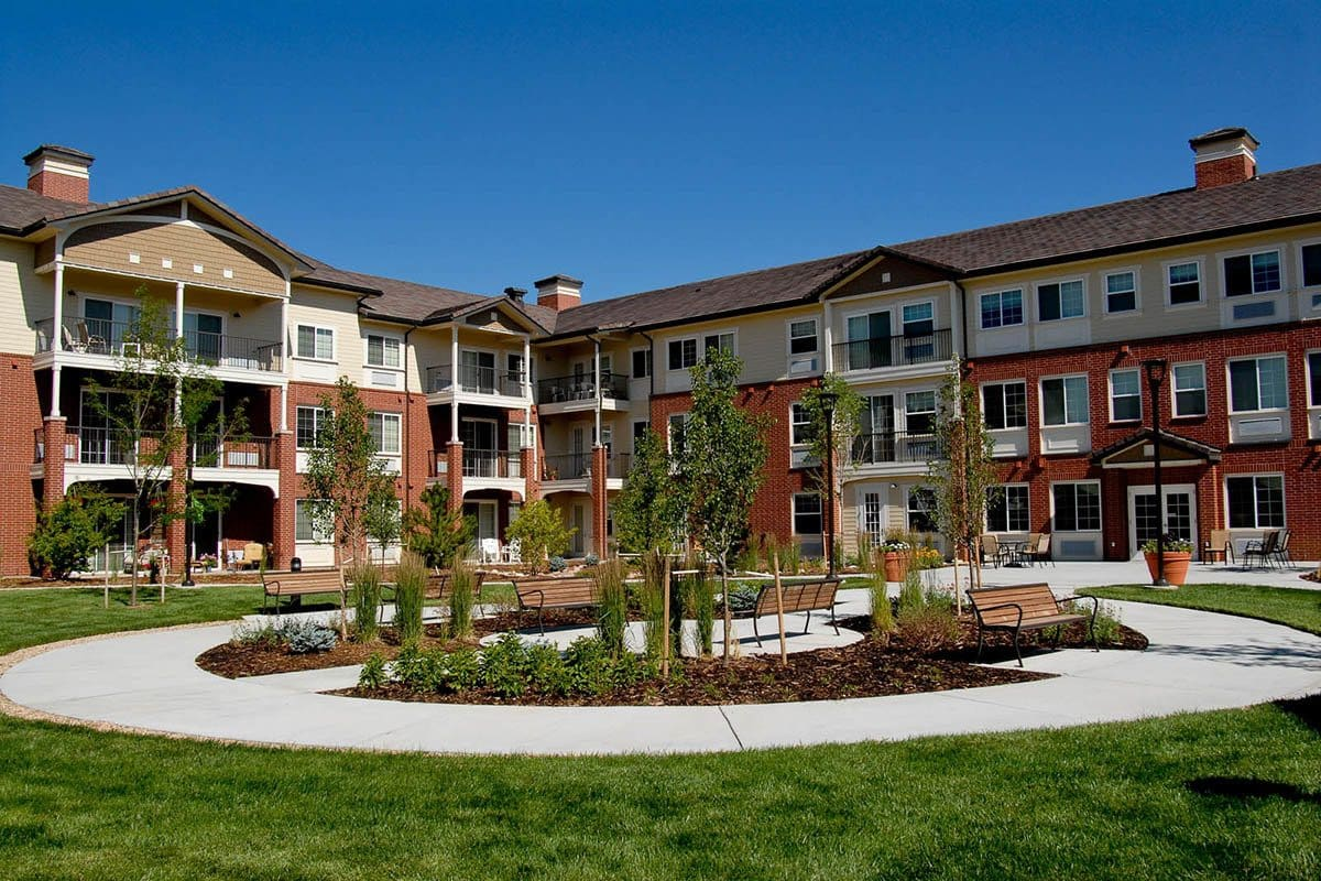 Courtyard At Senior Living In Parker Colorado