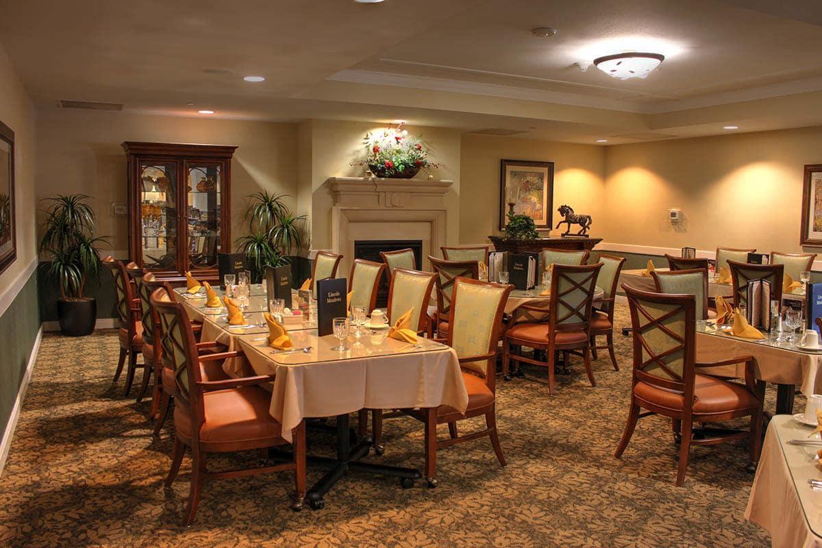 Photos of lincoln meadows senior living in parker colorado for Senior living dining room