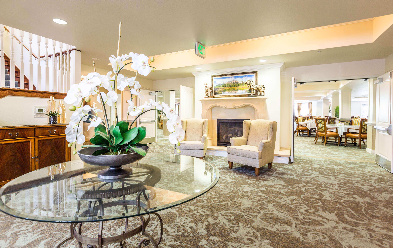 Grand Foyer at Lakeview Senior Living
