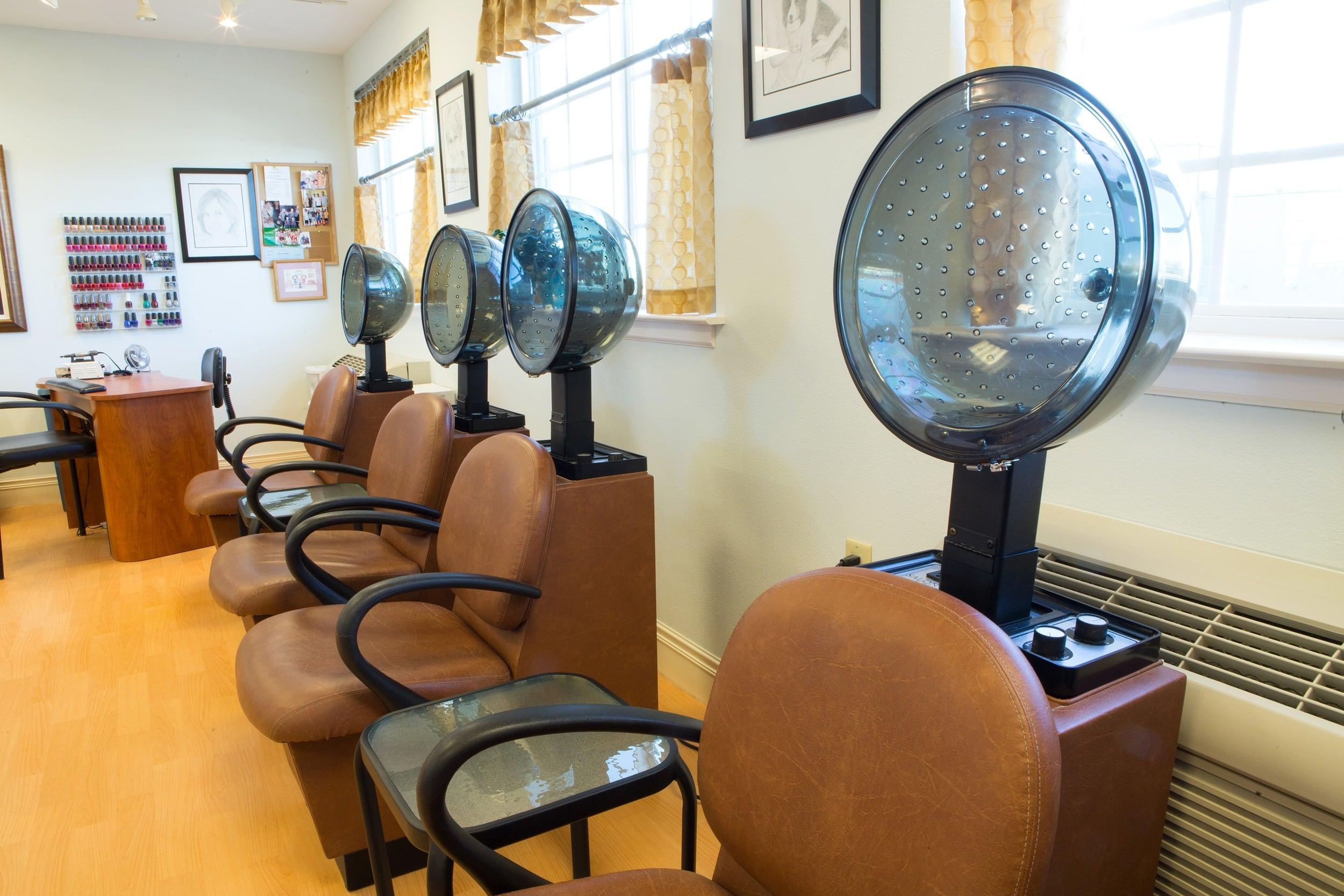 Salon at Shawnee Hills