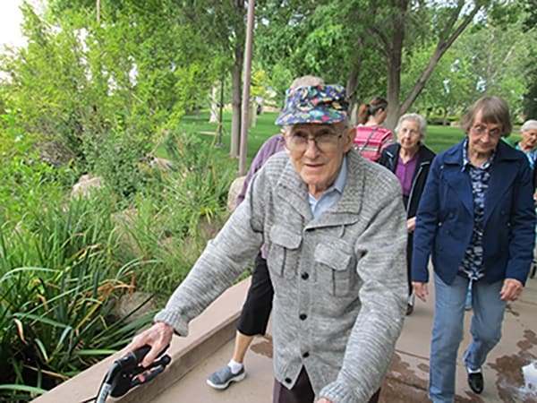 Residents on an excursion away from Palmilla Senior Living