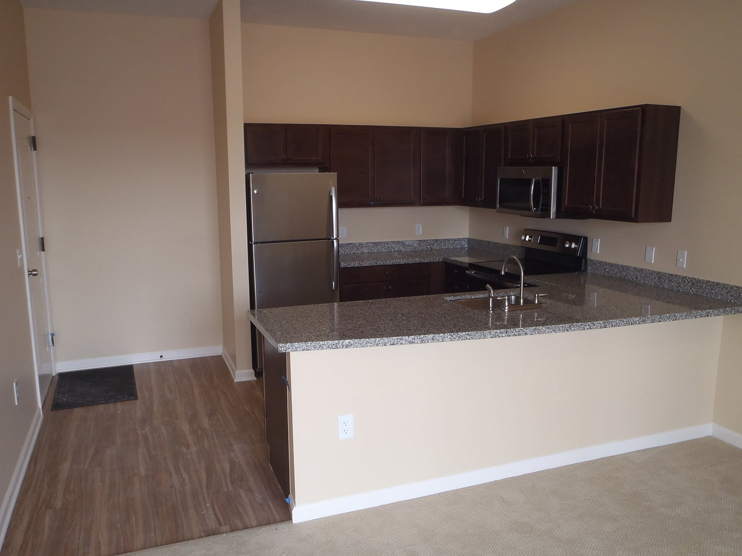 The Enclave Senior Living at Saxony offers a spacious kitchen in Fishers, Indiana