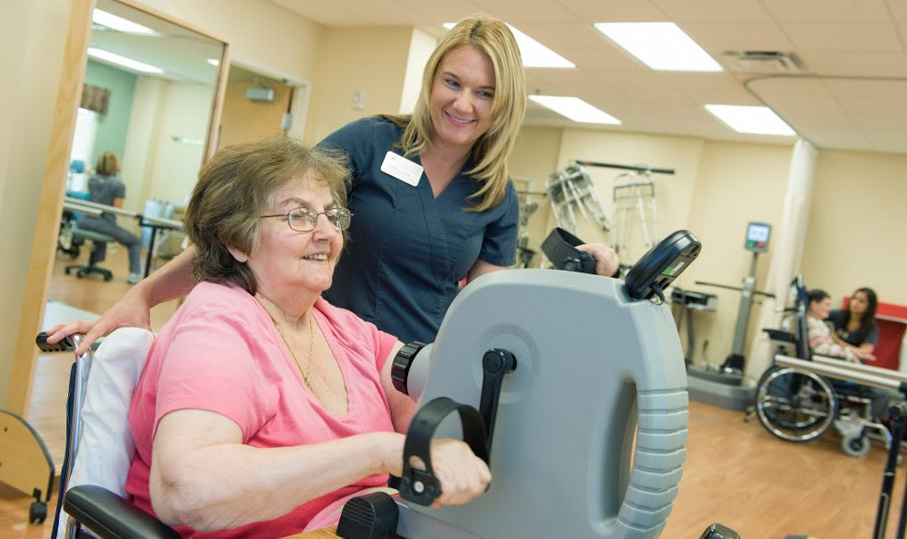 Our Skilled Nurses and Therapists at The Village at Vienna Square will Aid you in your time of need.