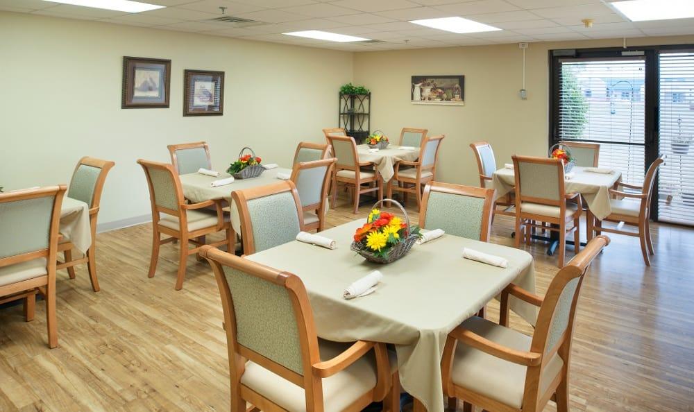 Senior living dining area in Muncie