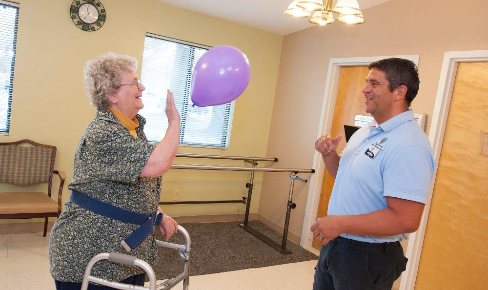 Fort Wayne, IN Skilled Nursing resident doing physical therapy