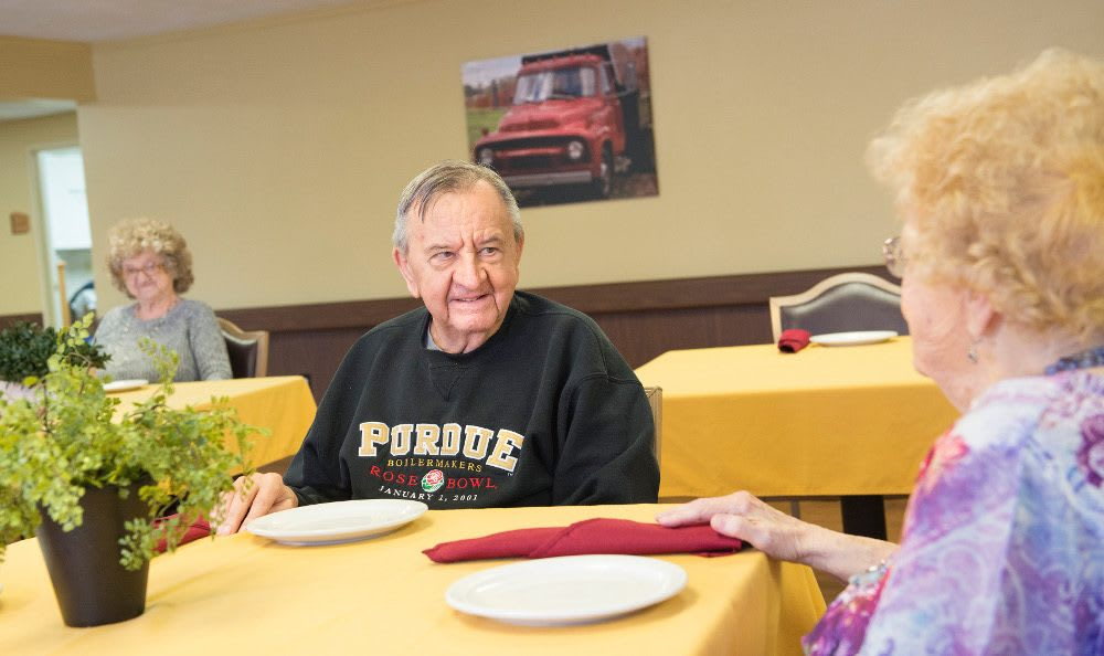 Fine skilled nursing dining at Rolling Meadows Health & Rehabilitation Center