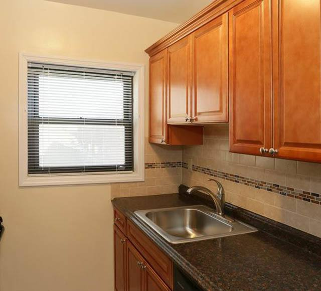 Kitchen at apartments in Hicksville