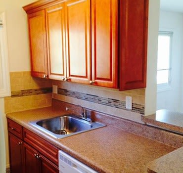 Updated kitchen at Eagle Rock Apartments at Mineola