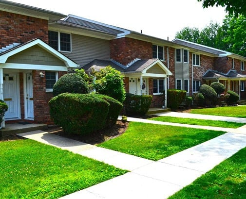 1 & 2 bedroom apartments in Woodbury, NY