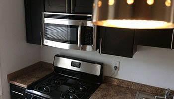 Modern kitchen at Eagle Rock Apartments at Huntington Station