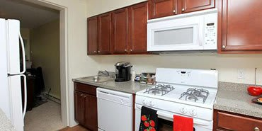 New kitchen appliances at Cortlandt Ridge Apartments