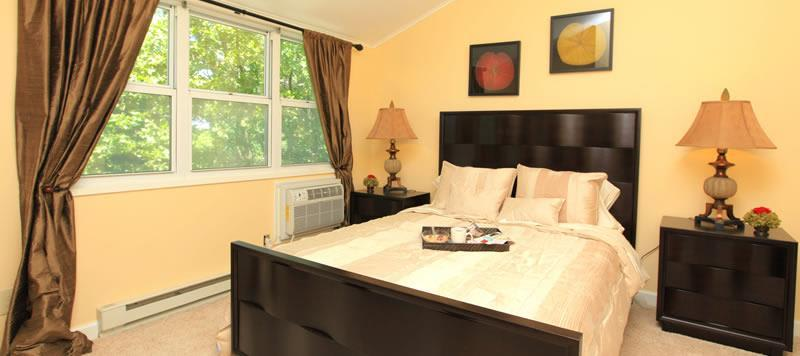 Spacious Bedroom At Apartments In Ossining New York