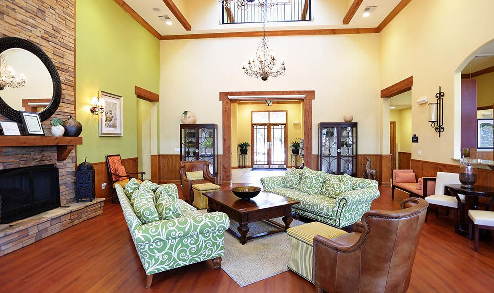 Clubhouse lounge at apartments in Huntsville
