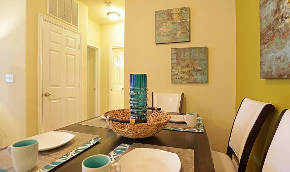 Huntsville apartment dining room