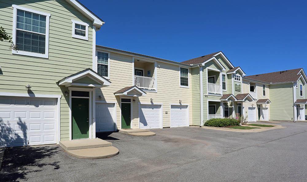 Exterior of Huntsville apartments units