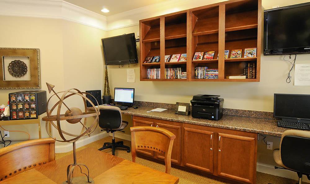 Computer lab at apartments in Cordova