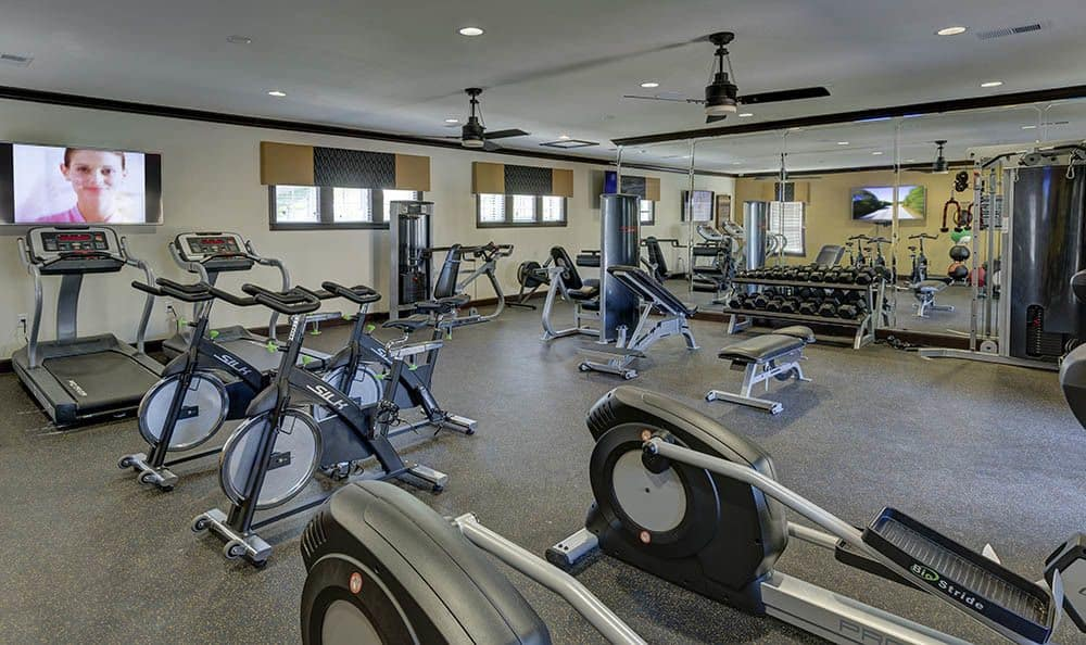 Fitness center at apartments in Ooltewah