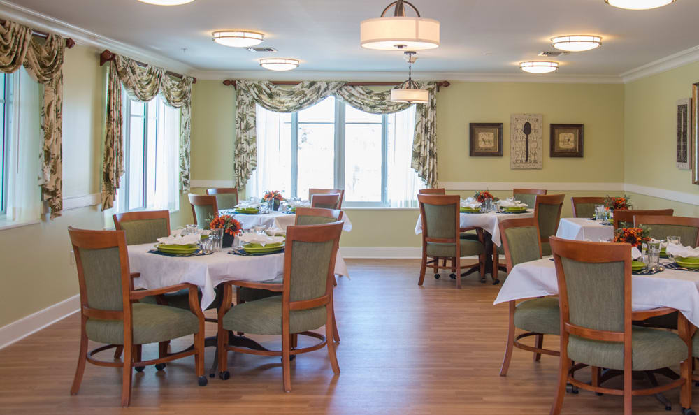 Dining room at Boca Raton senior living