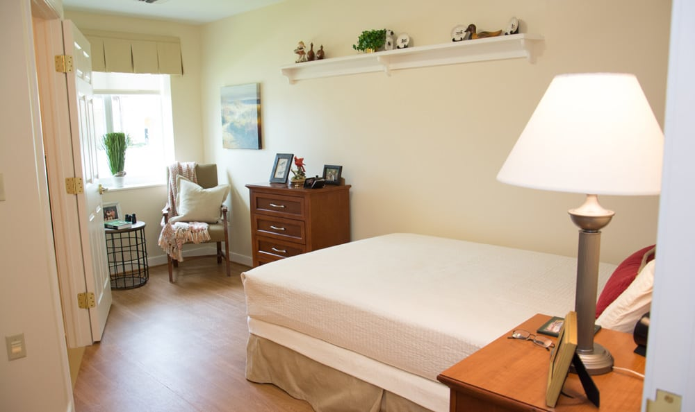 Bedroom at senior living in Boca Raton