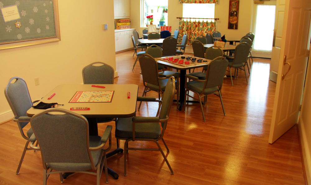 Game night at senior living in Cincinnati