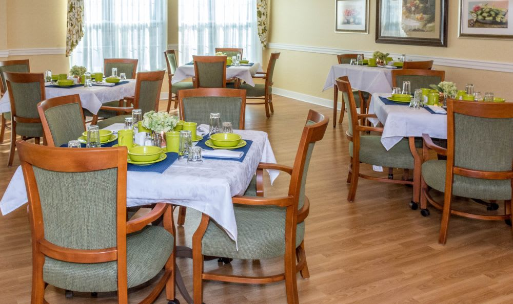 Clubhouse dining room at Artis Senior Living of Princeton Junction