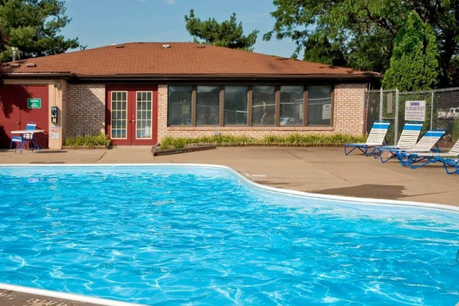 swimming pool at apartments in Clarksville, IN