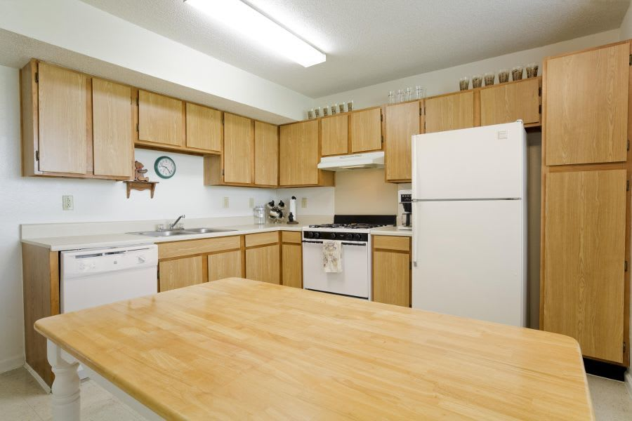 Kitchen room at apartments in Gallatin, TN