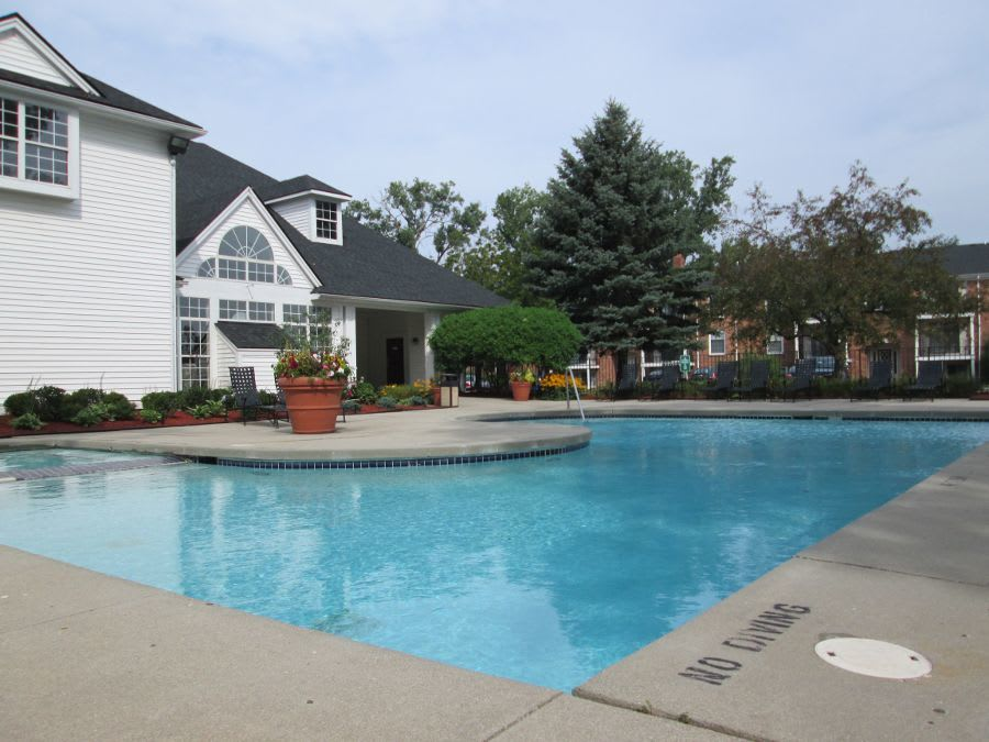 Swimming pool at apartments in Southfield, MI