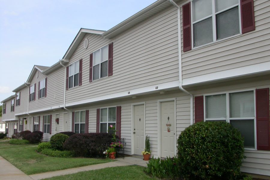 exterior at apartments in La Vergne, TN